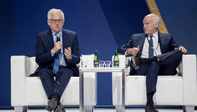 Παπανδρέου από το Ευρωπαϊκό Οικονομικό Φόρουμ: «Χρειάζονται νέοι κανόνες διεθνούς συνεργασίας»